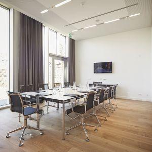 http://hotel-moderntimes.ch/application/files/thumbnails/thumb_list_2x/9714/5855/7031/milavy1.jpg